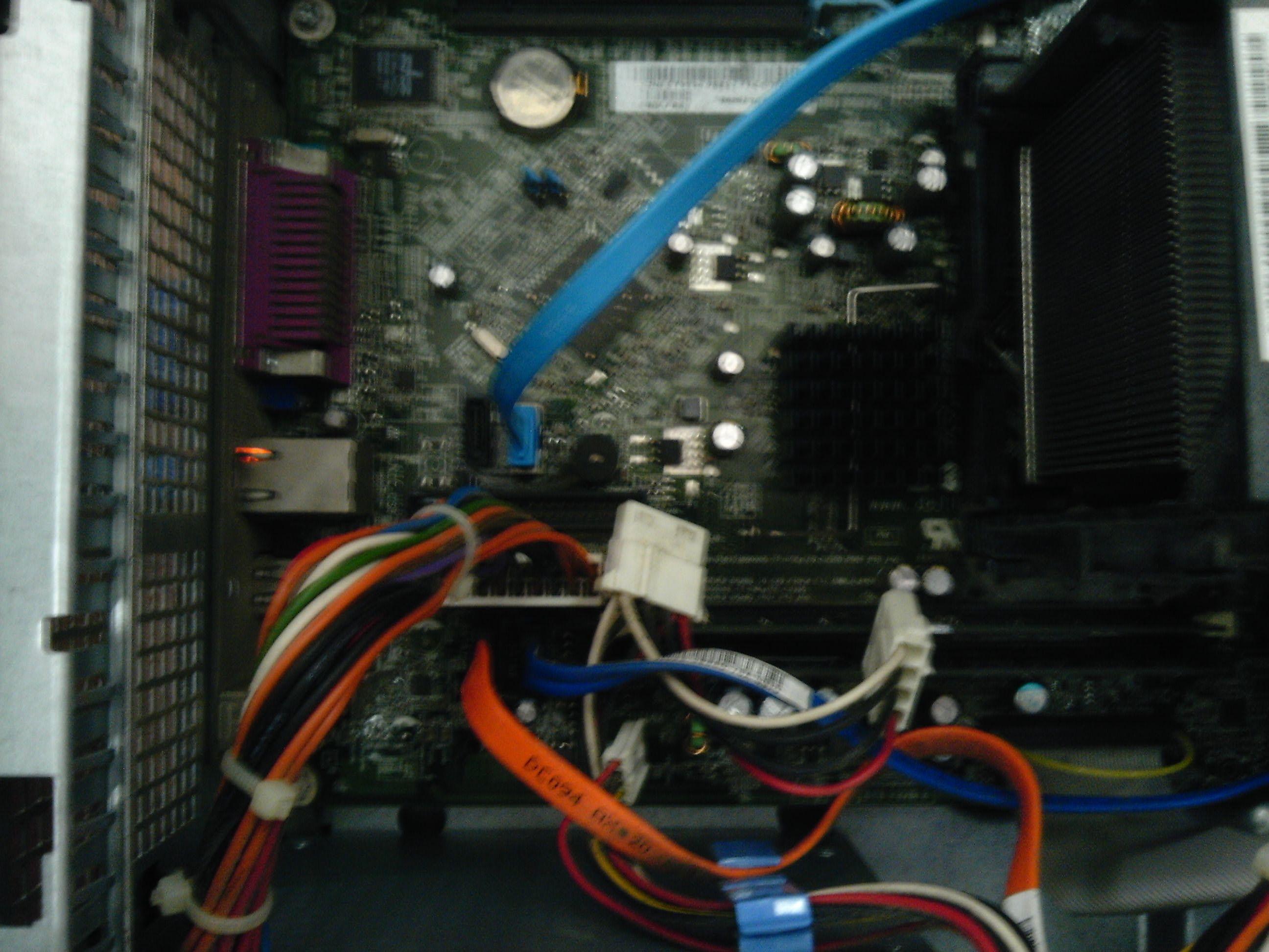 是老机型了4年多了 有4个连接口 1个是接dvd 1个是接原高清图片