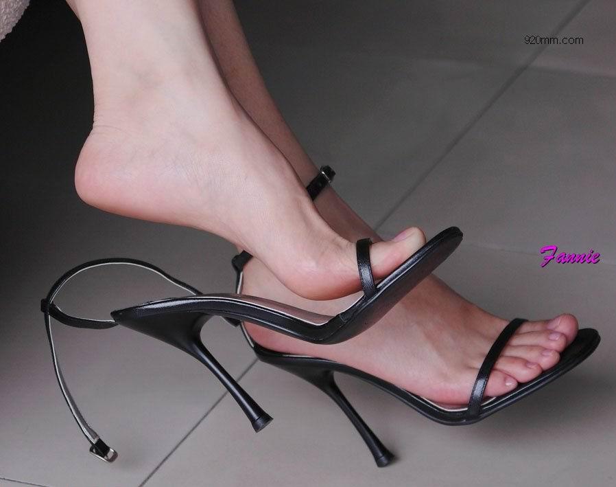 男人对女人的脚部有特殊爱好的