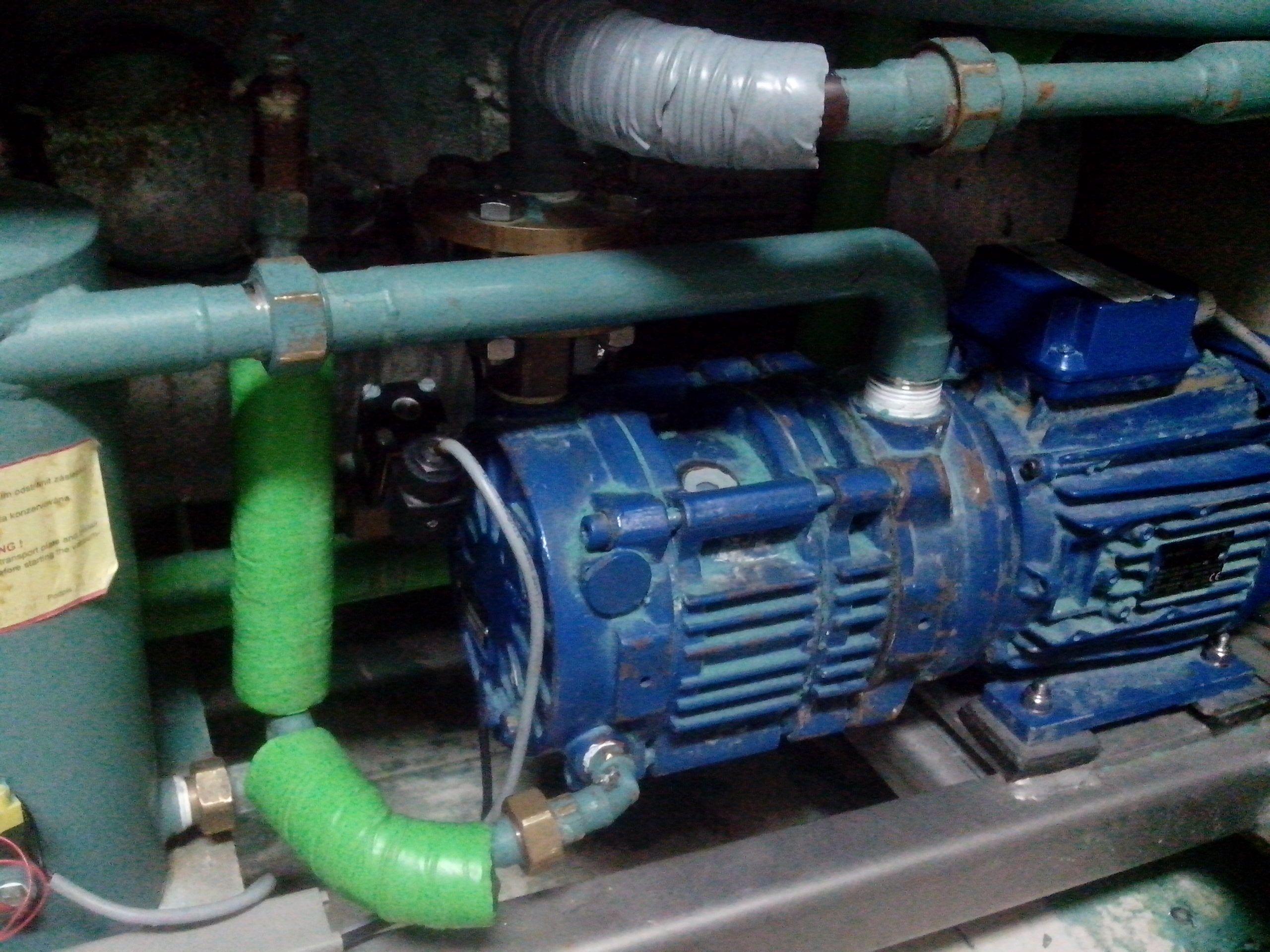 如图水环式真空泵上的这个电磁阀是干什么用的?图片