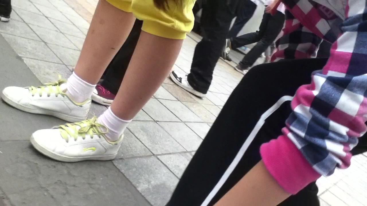 女孩帆布鞋白袜脚 靠谱吗