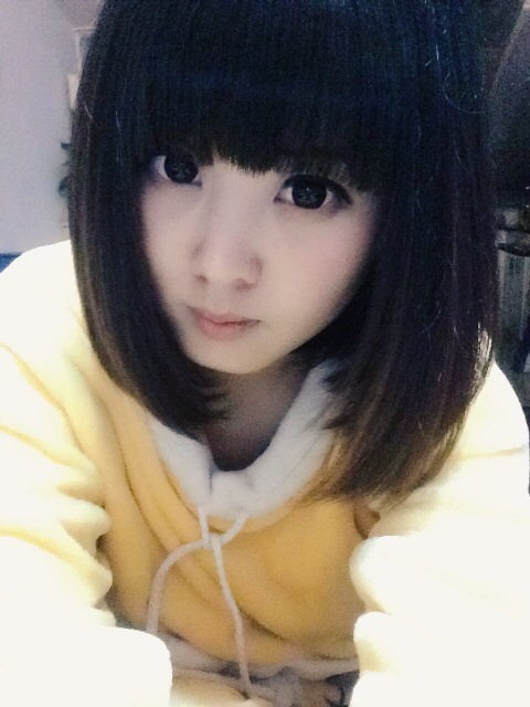 我想剪个齐耳短发,齐刘海的那种,不知道这种发型叫什么名字如图片类似图片