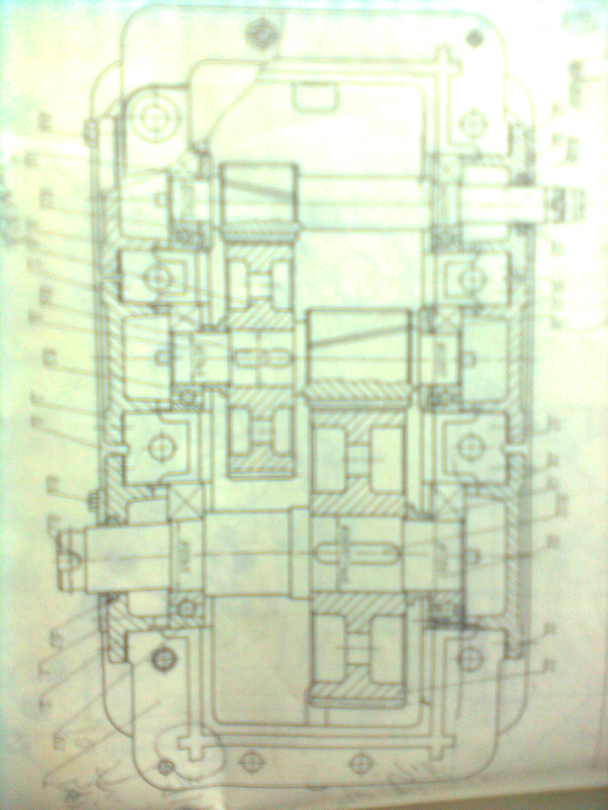 做圆柱体-有人做二级圆柱齿轮减速器的课程设计么?紧急需要一份装配图啊 (图片