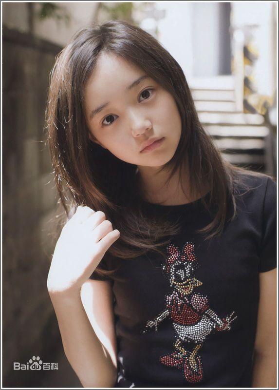 组图:日本11岁嫩模车内更衣   日 发育图   日本小萝莉写真   【图集图片