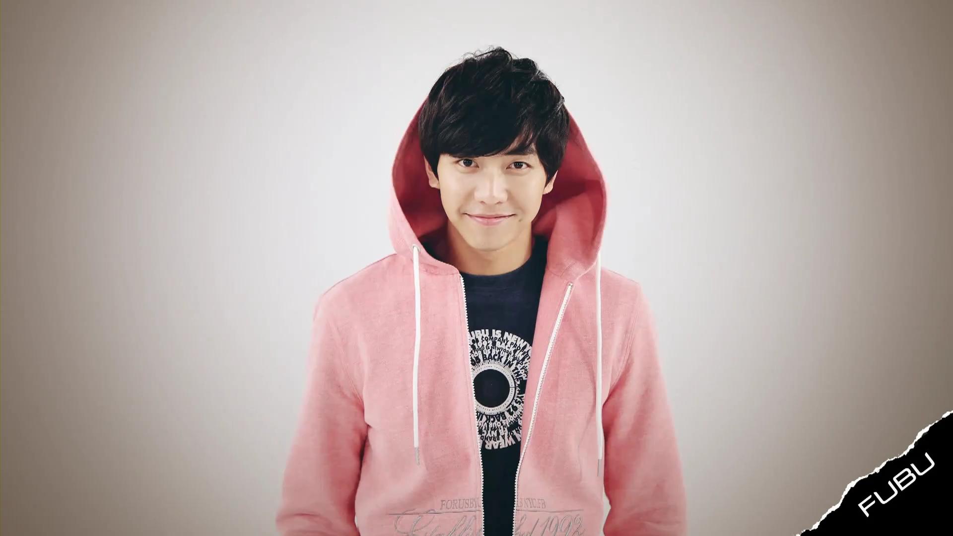 请问李胜基身上这身粉红色外套有同款吗?图片