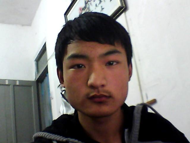 国字脸男生适合什么发型?图片