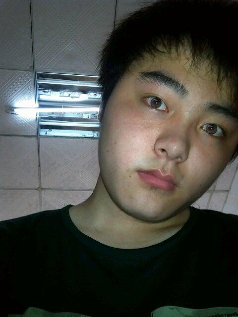 胖脸男生适合什么发型 有图图片