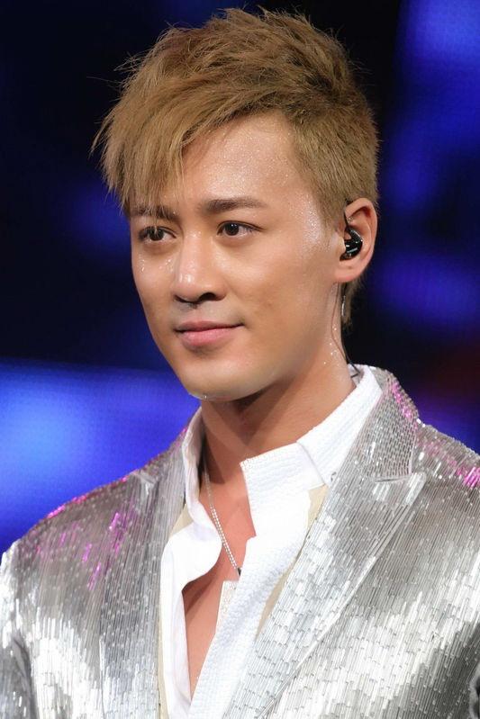 2011 男士朋克发型图片