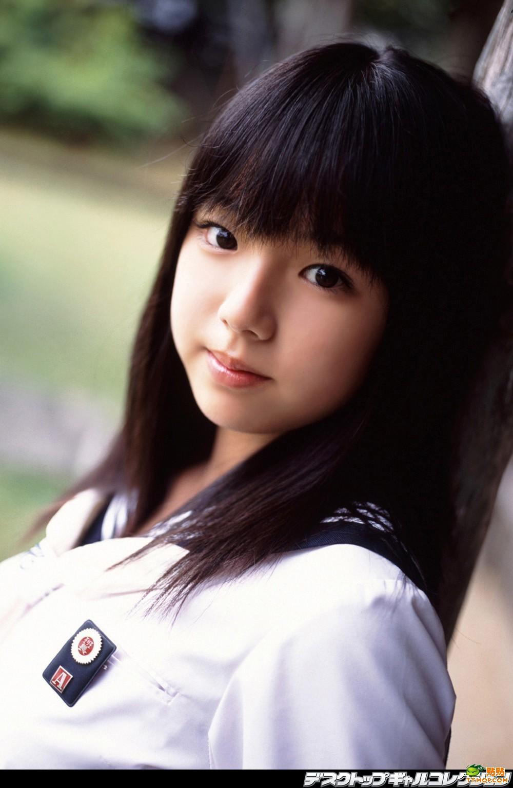 这位小美女是谁?挺漂亮的!说名字