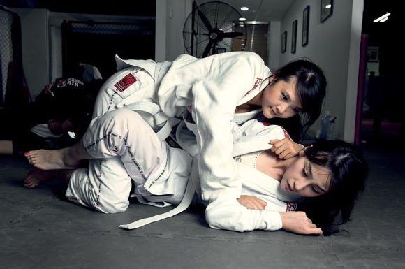 这种类型的美女武术图片