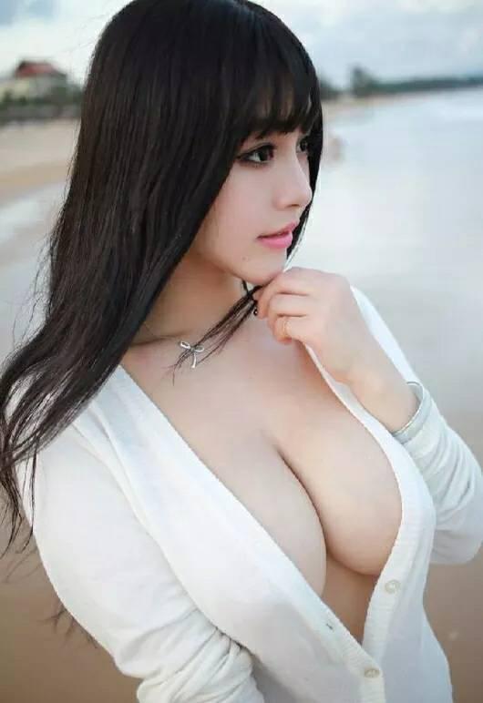 求解答这个美女叫什么名字?