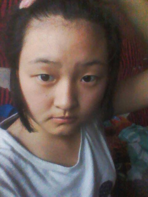 适合脸大头大发型图片 女生脸大头大适合发型 大脸大头适合什么发型图片