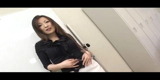 下面图片的东热女叫什么名字?