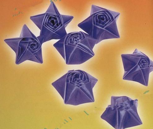 怎样用塑料管叠幸运星?图片