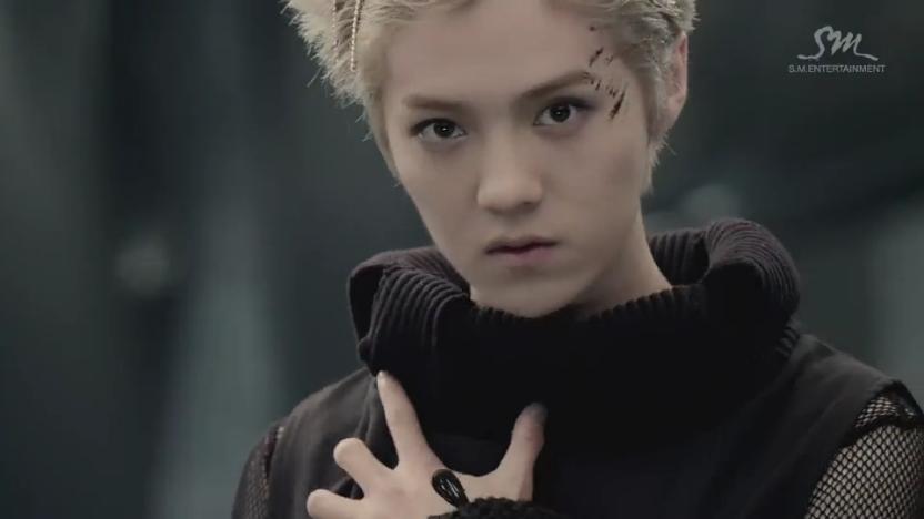 exo的新mv【狼与美女】里白头发的少年是谁tut新粉丝