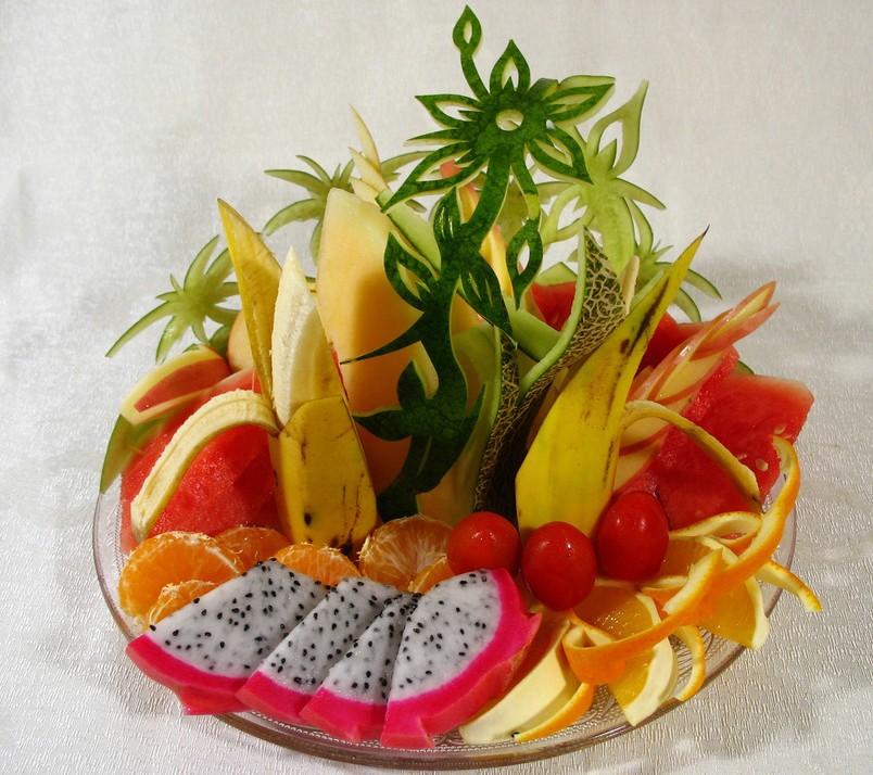 西瓜.橘子.香蕉.苹果.水蜜桃.杨梅做水果拼盘?图片