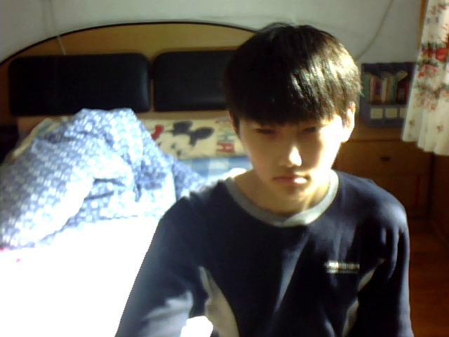 这个男孩好不好看.16岁.图片