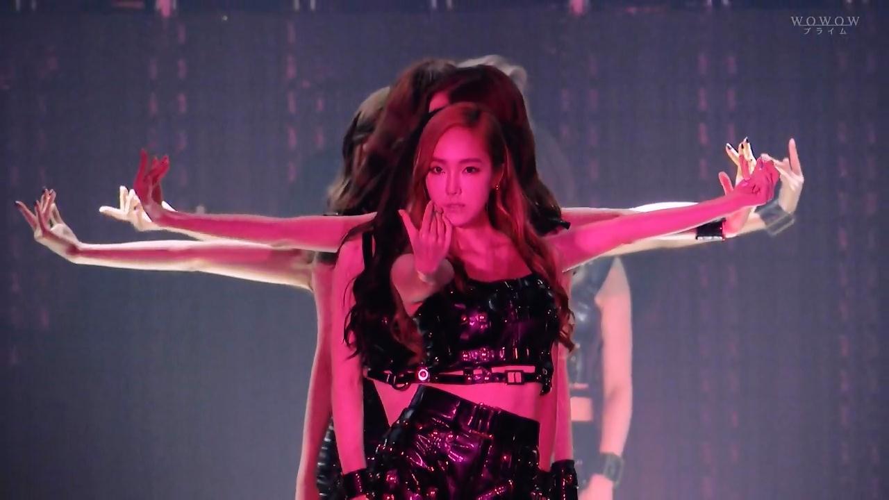 少女时代2014日本演唱会穿黑衣的第一首歌