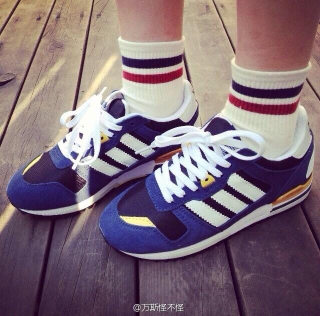 韩国ulzzang情侣款崔美花三缸街拍潮鞋运动鞋高清图片