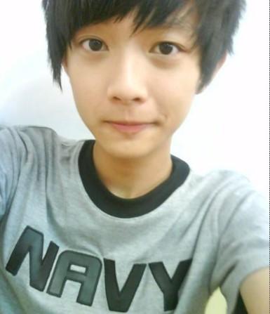 15岁帅哥照片20张左右,14到15岁帅哥照片