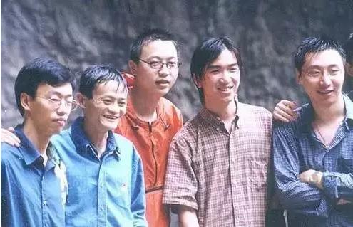 温州人谢世煌跟随马云21年 当年穷困潦倒如今身价几何