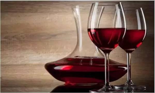 睡前喝红酒对女人有什么益处?