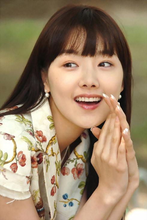 图片上这个韩国女星的名字~第一时间采纳