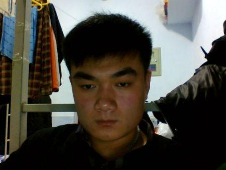 我的脸是国字脸请问适合什么样的发型我想理个莫西干头就是两边都剪得图片