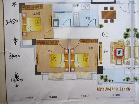 请看图片,进门正对客厅,哪边放沙发好 是否要做个玄关隔一高清图片
