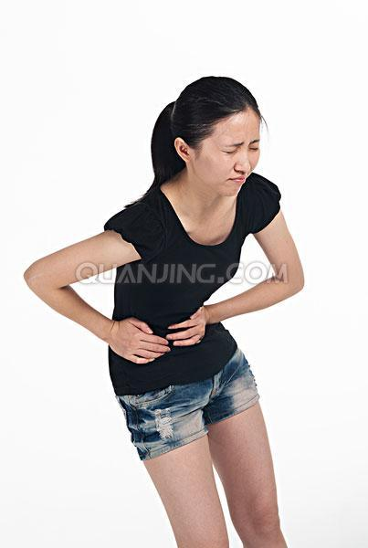 美女肚子痛的图片