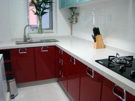 红色石英石橱柜台面搭配什么样的柜门好看?做欧式橱柜