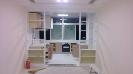 请问餐厅和厨房隔断边柜窄了怎么处理?
