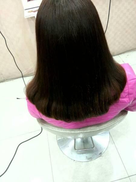 圆脸中长发女孩烫什么发型好看,今年流行的发型,不要卷发,最好带图片图片