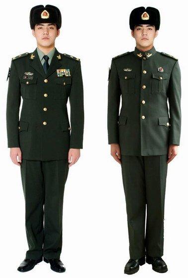 07军官士官士兵冬常服图片