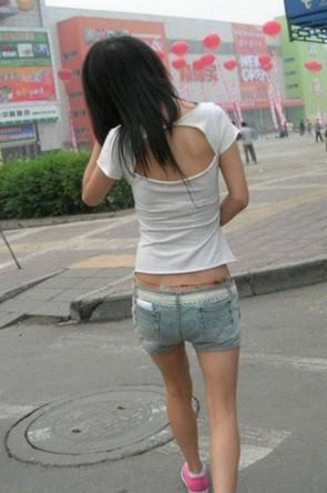 女生为什么腰间要系一根红绳?