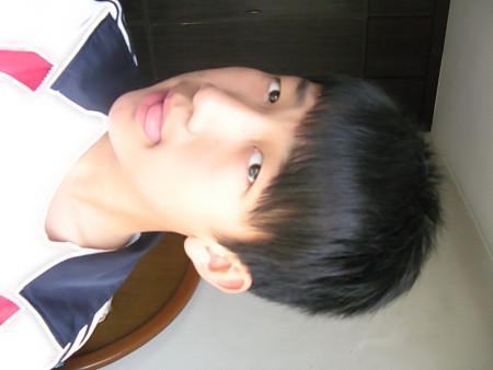 初中男生发型 上面头发7厘米左右,前面刘海刚做完软化图片