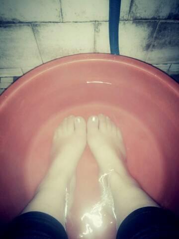 我在洗脚 你们在干嘛?