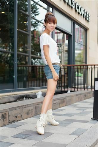 女孩穿短裤的图片