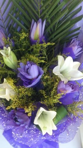 这个紫色的花是什么 花语是什么 和百合一起配,什么意思图片