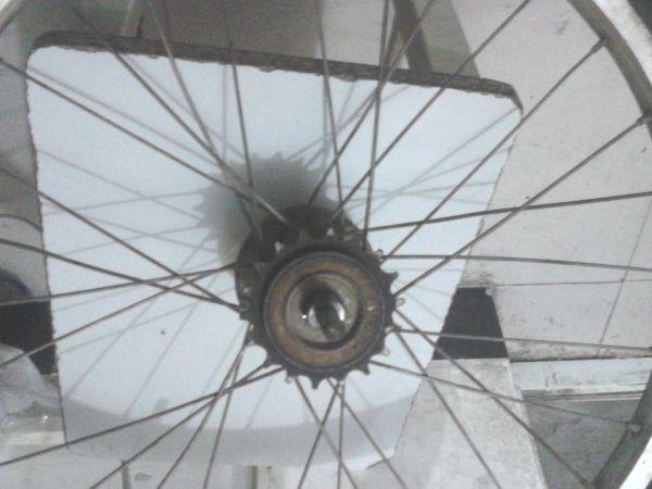自行车后轮轴承怎么拆高清图片