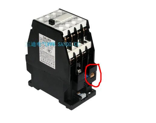 这个控制回路中的接触器线圈在实物中接哪啊图片