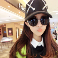 谁有女生戴墨镜超酷的女生头像