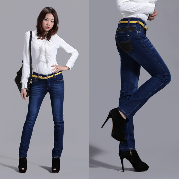穿牛仔裤的美女图片 百度知道