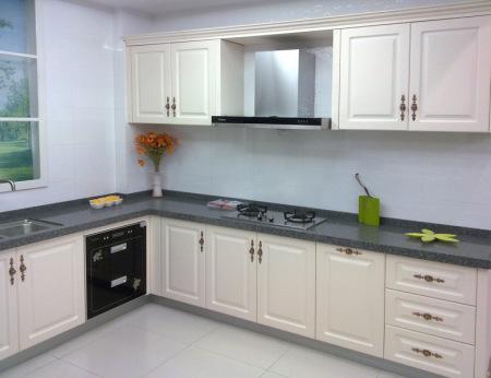 厨房墙砖地砖都是浅黄色,橱柜搭配什么颜色好看?是简约风格