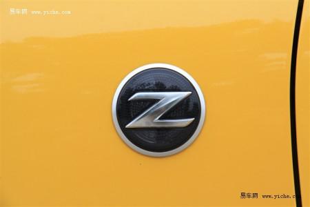 今天见到一辆跑车 车标是一个盾牌 在盾牌里面有个大写的z 高清图片