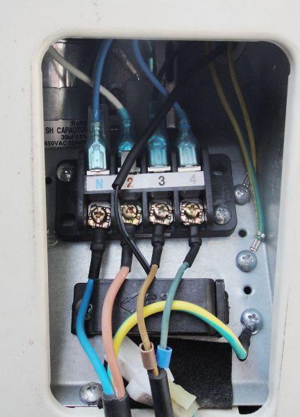 冬天收氟冷热型空调是先拨掉外机四通阀插线再开制热还是先开制热再拨图片